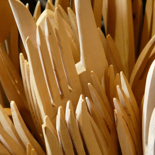 Cubiertos desechables de madera