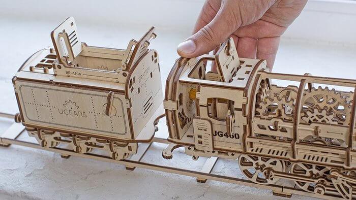 locomotora de madera ugears
