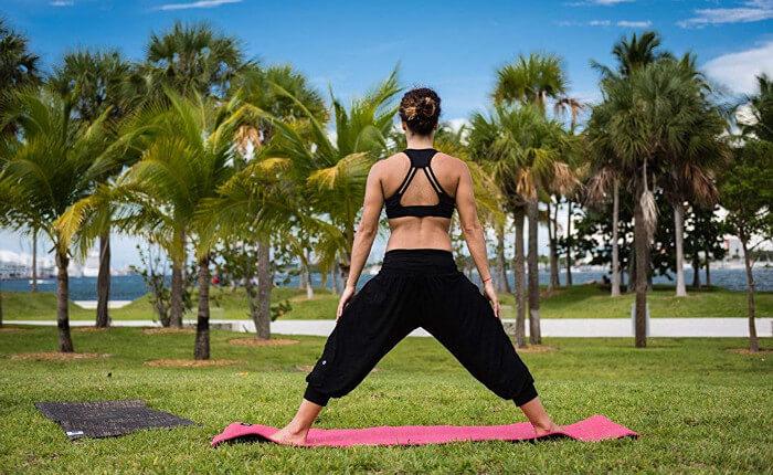 Pantalón negro para yoga