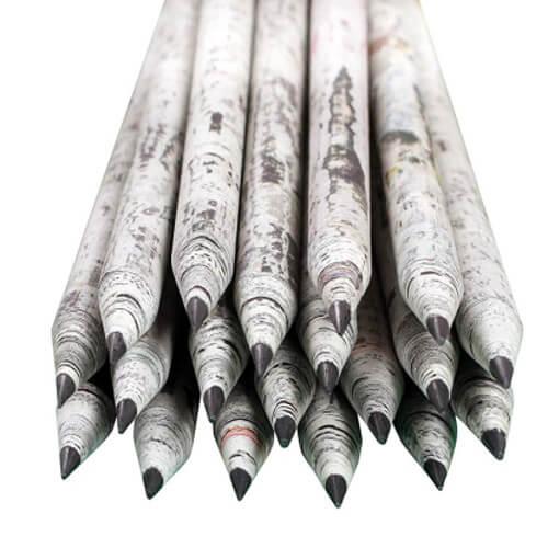 Lápices reciclados periódico