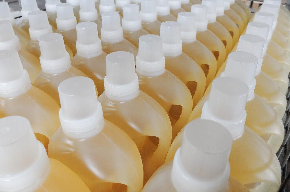 botellas de detergentes ecológicos